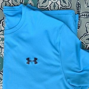 Men's Under Armour loose fit shirt